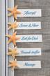 Konzept Urlaub mit Seesterne, Schild und Text