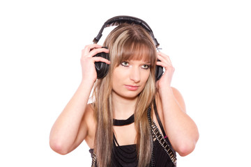 der Musik über Kopfhörer lauschen