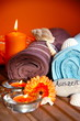 Handtücher und Kerzen