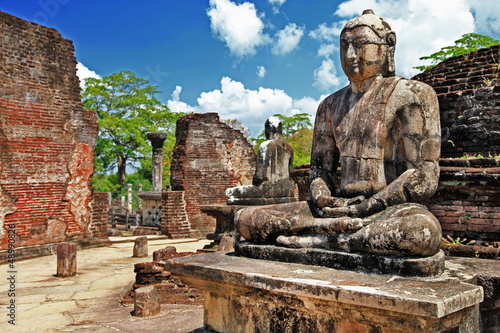 Fotobehang Rudnes Buddha in Polonnaruwa temple - medieval capital of Ceylon,UNESCO