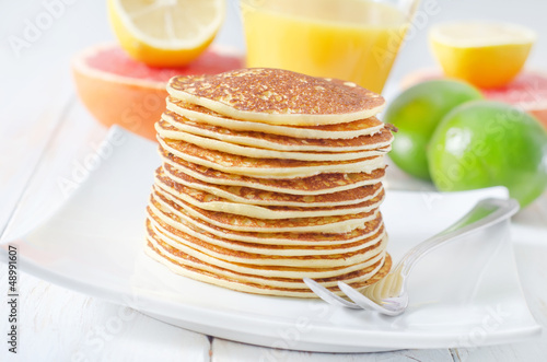 pancakes with fruit