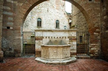 Perugia - Fontana in via Maestà delle Volte