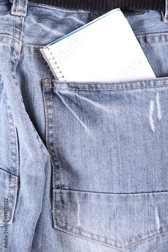 Notizblock in der Tasche