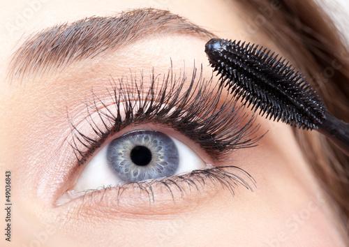 mascara makeup