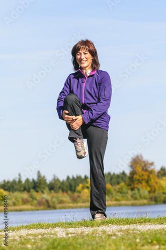 Frau beim stretchen