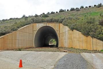 Infraestructura bajo la Autovía, alcantarilla