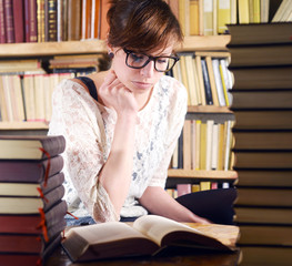 Woman and many Books