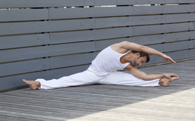 male split and suppleness exercises