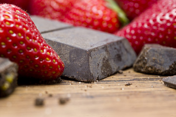 strawberries raw chocolate on whooden table