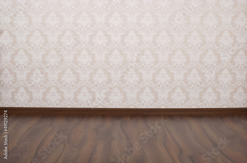 empty room with white wall and  flor