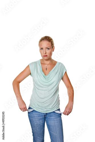 Frau mit leeren Hosentaschen
