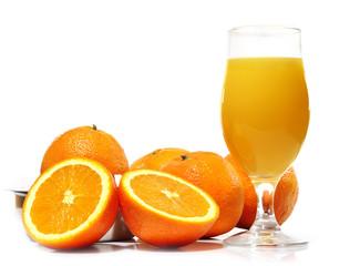 Vaso de zumo de naranja.