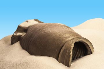Tonkrug in der Wüste