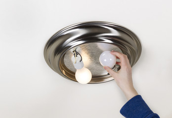 Removing bad light bulb