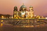 Fototapety Berliner Dom in der Nacht - Berlin