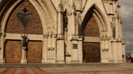 Basilica of the national vow, Quito