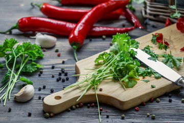 Preparing a meal made ​​of fresh herbs and spices