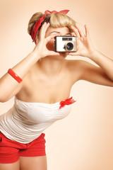 Pin-up Girl fotografiert