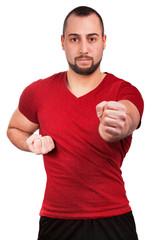 Mann macht Kampfübungen