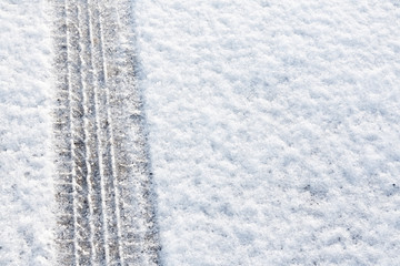 Tyre tread in the snow