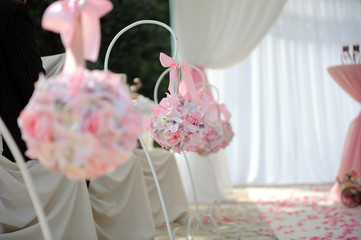 Round Bouquets on Stands