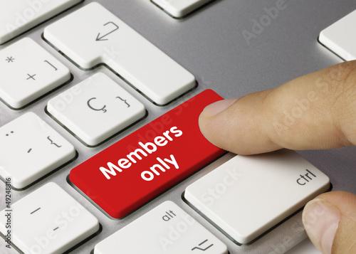 Leinwanddruck Bild Members only Tastatur finger