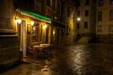 Naklejka venezianisches Cafe bei Nacht