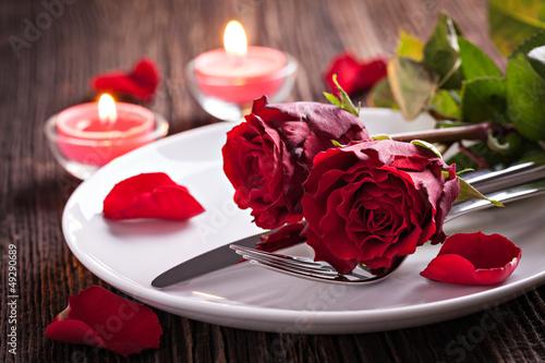 Staande foto Boord Tischgedeck zum Valentinstag