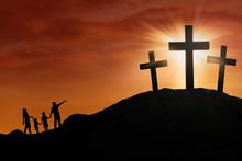 Rodzina sylwetka na krzyżu