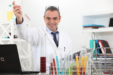 scientist making tests in the lab