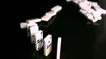 Domino collapsing