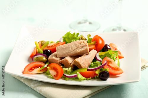 insalata di tonno con pomodori