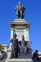 Piazza Cavour - Monumento a Camillo Benso conte di Cavour