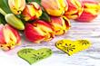 Blumenstrauß mit Herzen