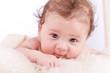 kleines süßes baby portrait kleinkind neugeboren