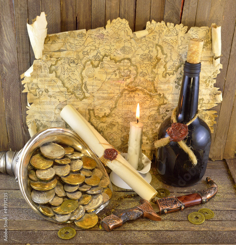 Pirate treasures with candle_2