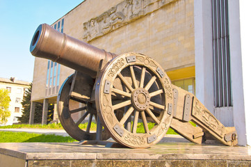 Old Russian cannon «Licorne» (of 1814).