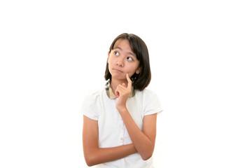 退屈そうな表情を浮かべる女の子