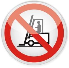 panneau interdit aux véhicules de manutentions
