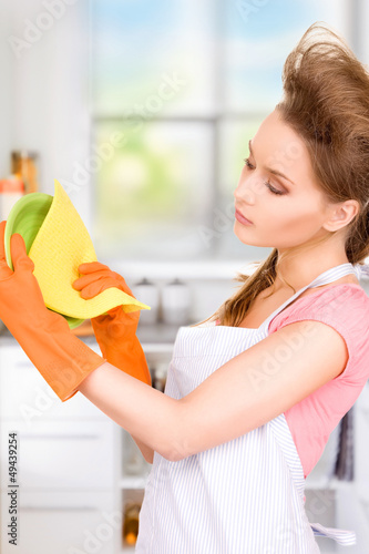 housewife washing dish
