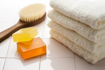 タオルと石鹸とボディーブラシ