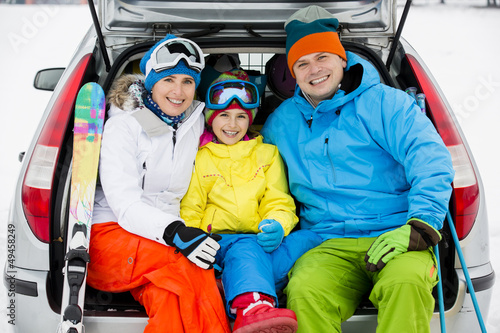 Skiing - family ready for the travel for winter vacation - 49458249