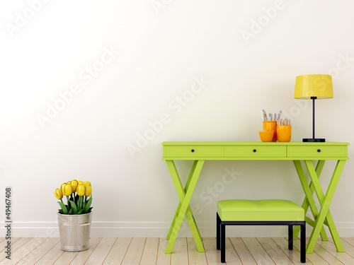 Zielony stół i tulipany