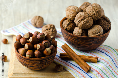 Walnuts and hazelnuts in the bowl
