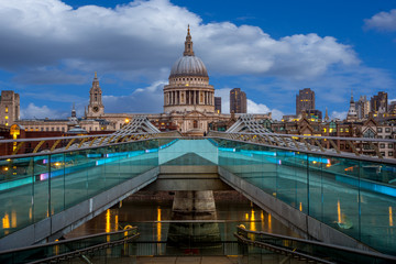 St Pauls from the milenium bridge