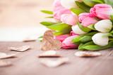 Tulpen und Herzen