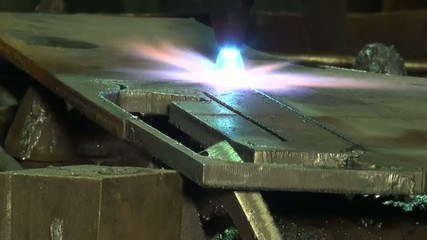 curly metal cutting with gas welding