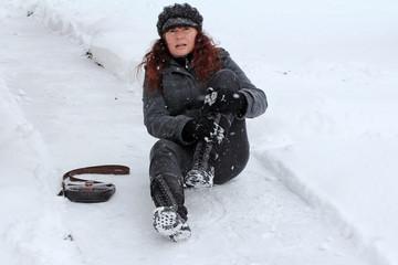 Winterliche Unfälle auf Gehwegen
