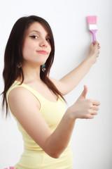 Ragazza con pennello rosa