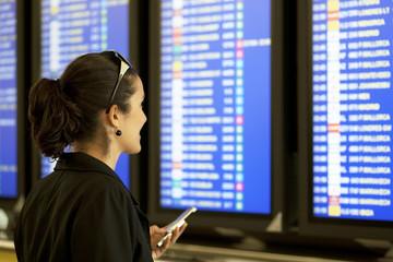 Check-in mit Smartphone am Flughafen